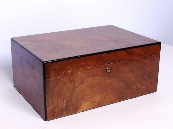 18: Vintage Walnut Humidor Box