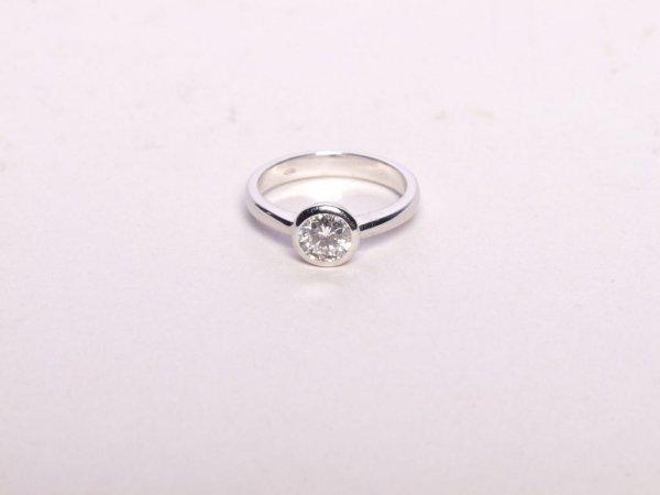 78: Estate Jewelry: Diamond Ring