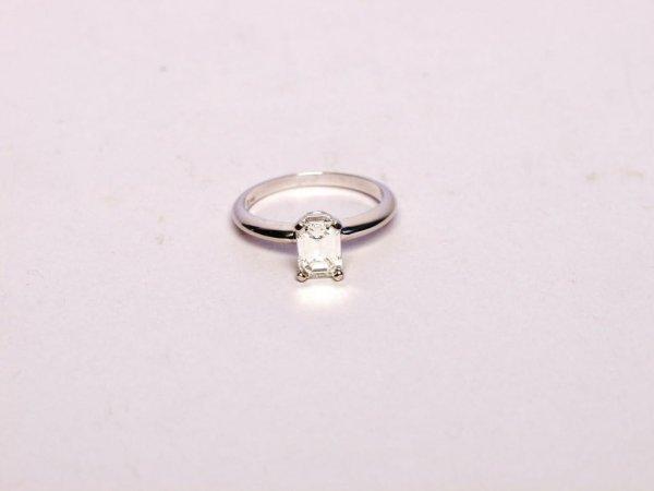 88: Estate Jewelry: Diamond Ring