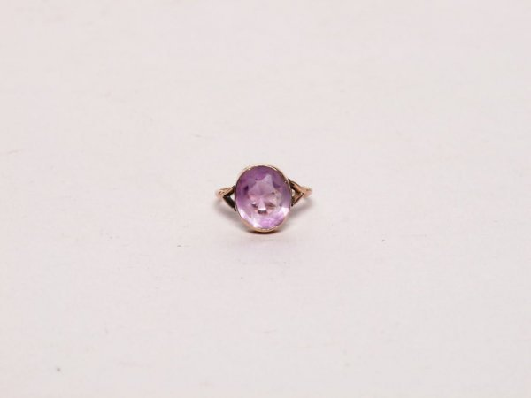 10: Estate Jewelry: Antique Amethyst Ring