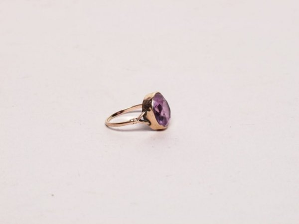 10: Estate Jewelry: Antique Amethyst Ring - 2