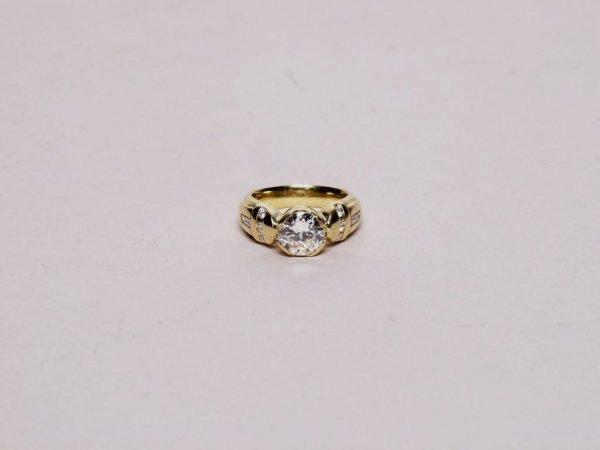 65: Estate Jewelry: Diamond Ring