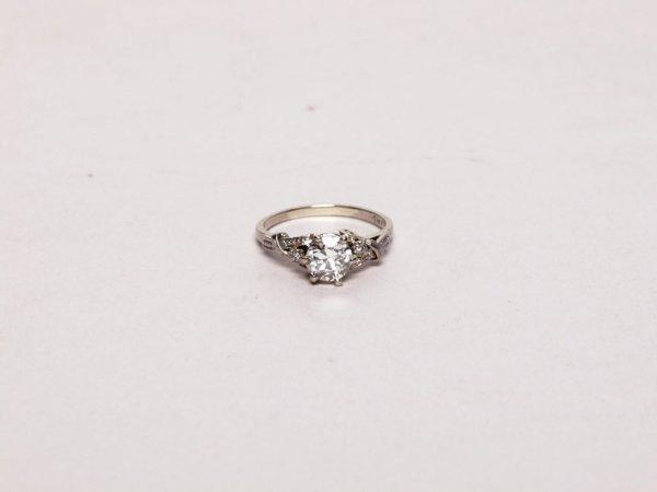 54: Estate Jewelry: 0.87 Cts. Diamond Ring