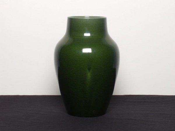 422: British Ceramics: Green Glaze Vase