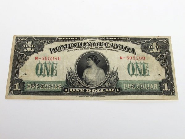 587: Canadian Currency: 1917 One Dollar Bill