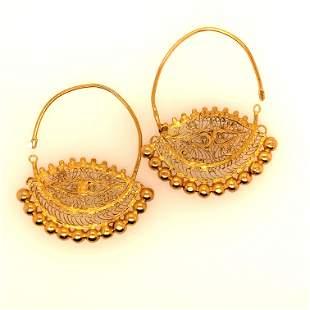 18 K yellow Gold Antique Earrings