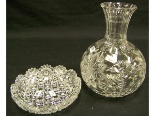 84: 2 pieces of cut glass,