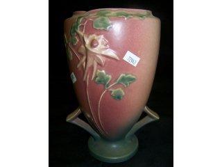"5008: Pink Roseville art pottery ""Columbine"" vase, 9 1/"