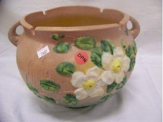 """5017: Pink Roseville Art Pottery """"White Rose"""" jardinier"""