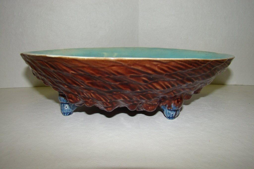 """2: A Majolica 3-footed shell bowl 9.5"""" long with turquo"""