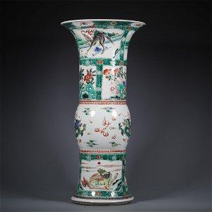 A Wu-Cai Glazed Porcelain Flower Patterned Vase