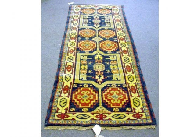 223: Handmade Oriental rug ( 7 1/2'x 2 1/2') Kazak