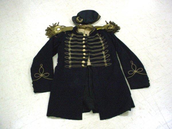 1011: Civil War era? Band uniform with hat & epaulettes