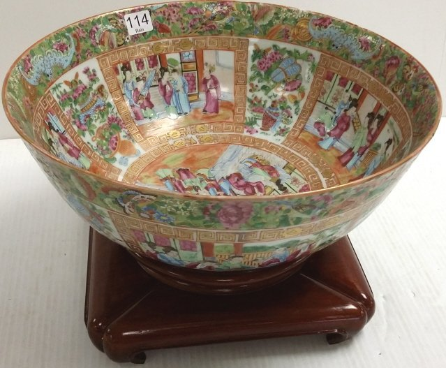 "13"" Rose medallion bowl with stand"