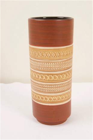 Cylinder Vase and Square Plate
