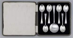 CASED SET OF SEVEN STERLING SILVER SPOONS Sheffield,