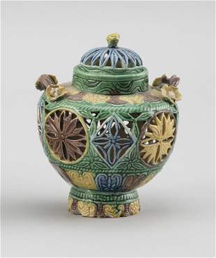 FINE CHINESE SANCAI PORCELAIN COVERED CENSER Early 19th