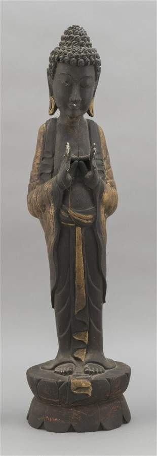 TIBETAN CARVED GILTWOOD FIGURE OF BUDDHA Early 20th