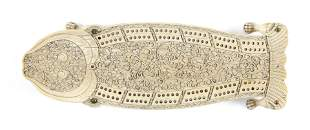 CHINESE EXPORT CARVED IVORY CRIBBAGE BOARD 19th Century