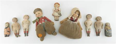 TWO NORAH WELLINGS DOLLS AND SEVEN FABRIC DOLLS