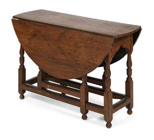GATE-LEG DROP-LEAF TABLE New England, First Half of the