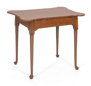 QUEEN ANNE PORRINGER-TOP TEA TABLE New England,