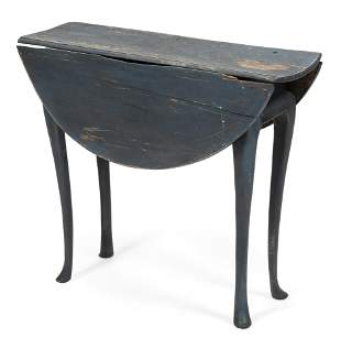 QUEEN ANNE DROP-LEAF TABLE Probably Maine, 18th Century