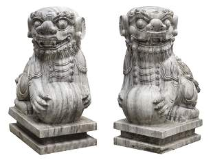 PAIR OF CHINESE CARVED MARBLE FOO LIONS 20th Century