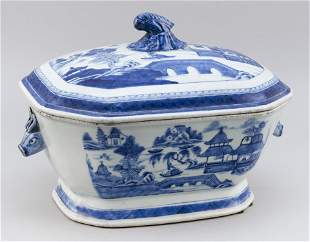 CHINESE EXPORT BLUE AND WHITE CANTON PORCELAIN LIDDED