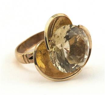 VINTAGE 14KT GOLD AND CITRINE COCKTAIL RING Approx.