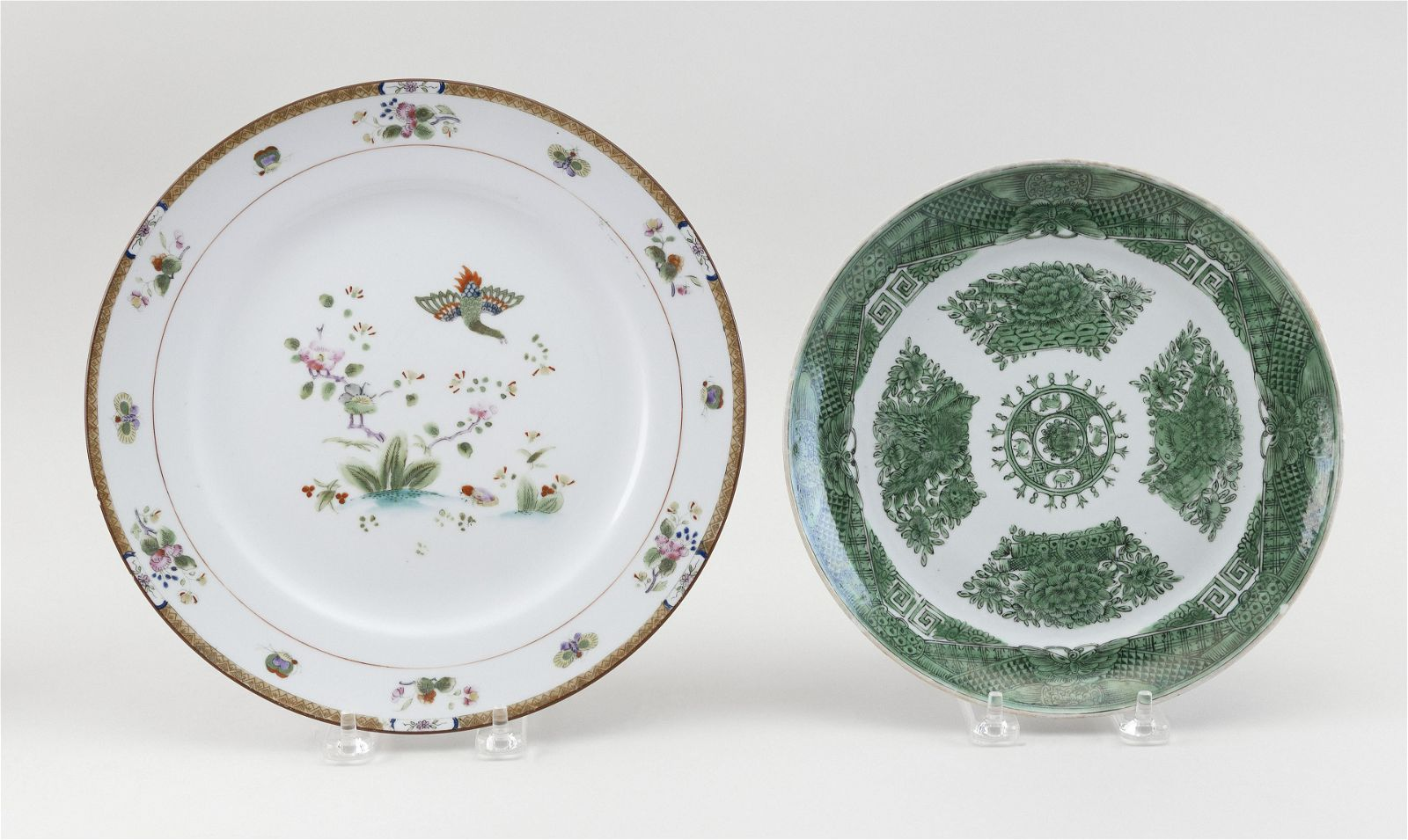 TWO PORCELAIN PLATES IN THE CHINESE TASTE Late