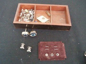 303: Costume Jewelry Lot - Cuff Links, Buttons, Etc