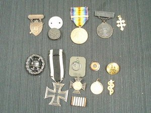 21: Group WWI American Medals ' German Souvenirs