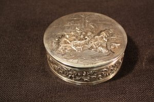 6: Sterling Silver Hinged Box with Tavern Scene