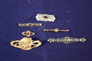 23: 6 Bar Pins Brooches Gold & Silver