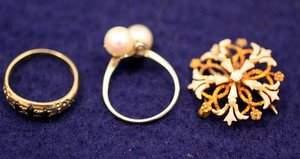 45: Sapphire Ring, Pearl Ring, Gold Enamel Pin