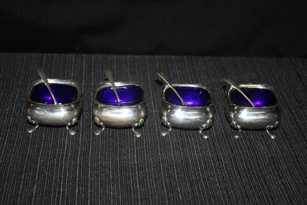 16: 4 English Cobalt & Sterling Silver Salts w/Spoons