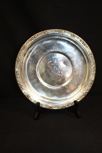 15: Reed & Barton Sterling Silver Platter w/Floral
