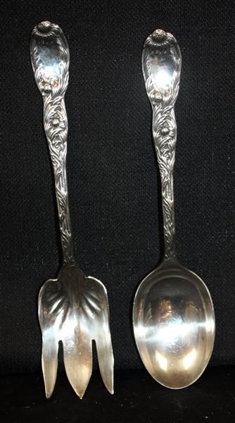 10: 2 Sterling Silver Serving Pieces w/Sunflower Decor