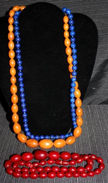 14: Costume Jewelry Lot 6: Amber Beads & Lapis