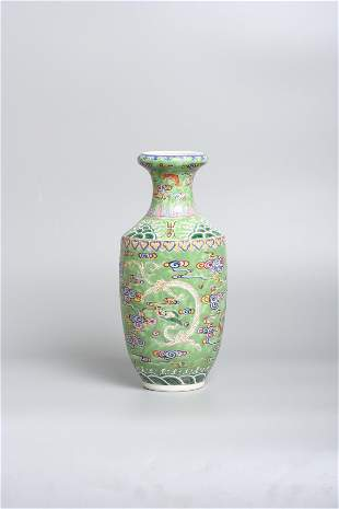 A Chinese porcelain green vase, late 19th century