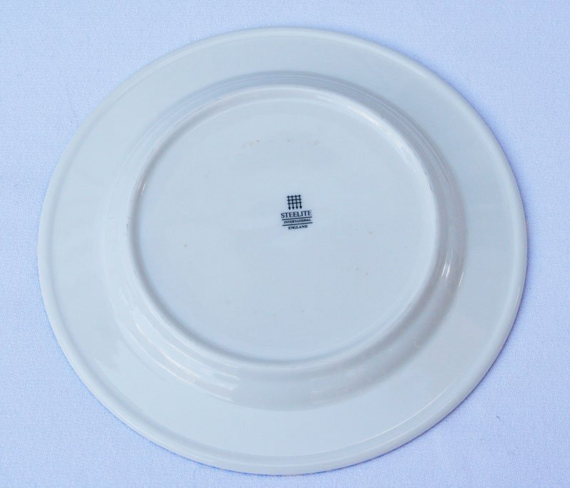 Milton Glaser  Windows on the World Dinnerware - 4