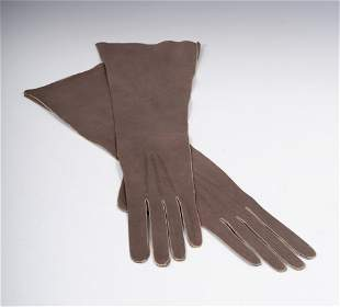VIVIEN LEIGH. Pair of gloves FOWNES BROTHERS. France,