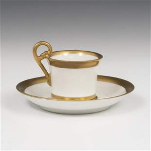 VIVIEN LEIGH. Coffee cup and saucer, ca. 1950. White