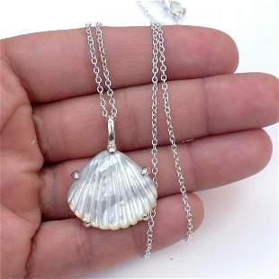 Silver tone chain and Scallop Shell MOP pendant
