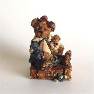 Vintage Boyd Bears and Friends Bailey Bear figurine