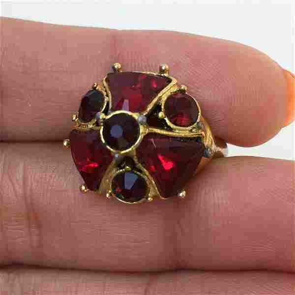 Vintage gold tone ruby color crystals ring