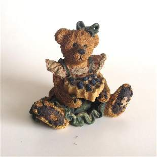 Vintage Boyd Bears and Friends Bailey statuette