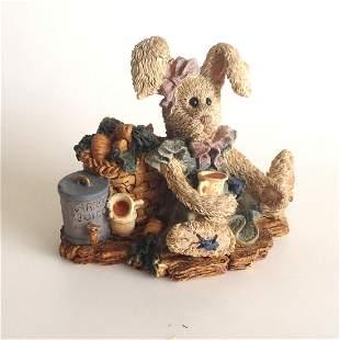 Vintage Boyd Bears and Friends Amelia figurine