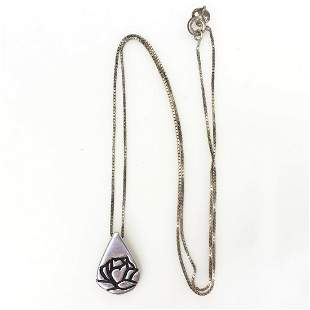 KATHY BERNU Sterling silver drop rose pendant chain